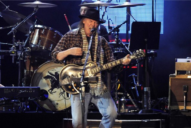 neilyoung_live_article_story_large